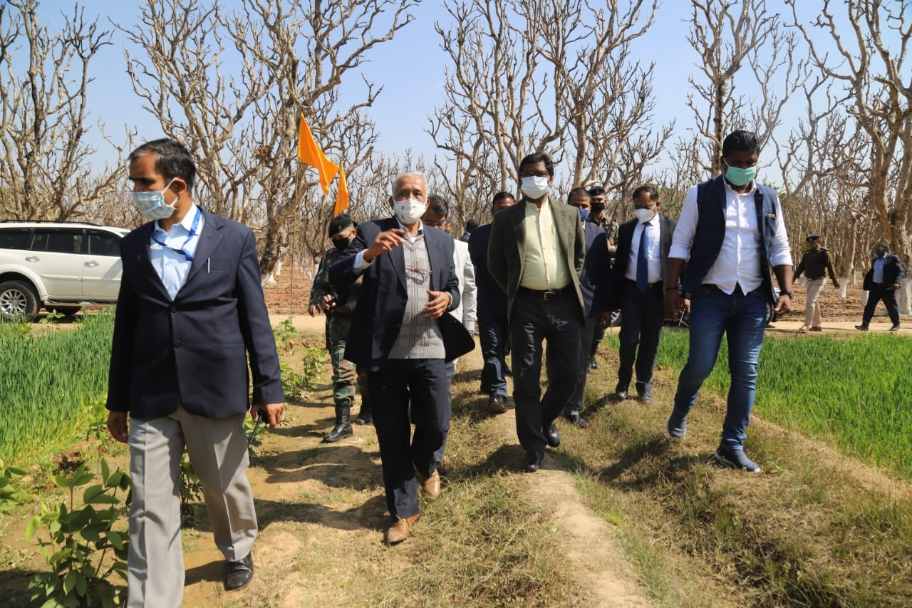 <p>Hon'ble Chief Minister Hemant Soren attended the Kisan Mela-cum-Agricultural Technology Exhibition held at the Indian Institute of Natural Resins and Gums, Namkum on 11-02-2021.</p>…