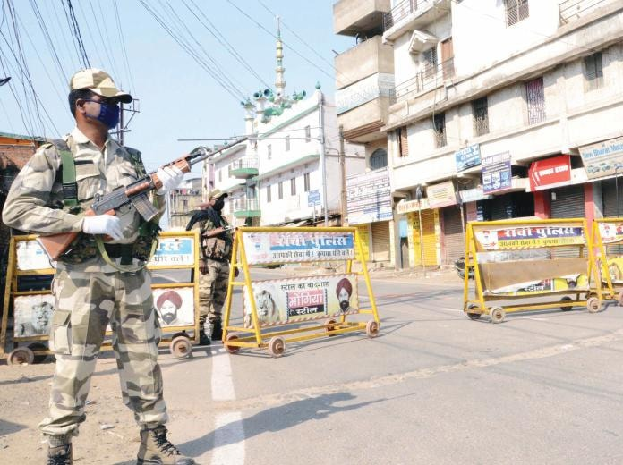 Ranchi administration goes on high alert, puts up checking at every 500 meters