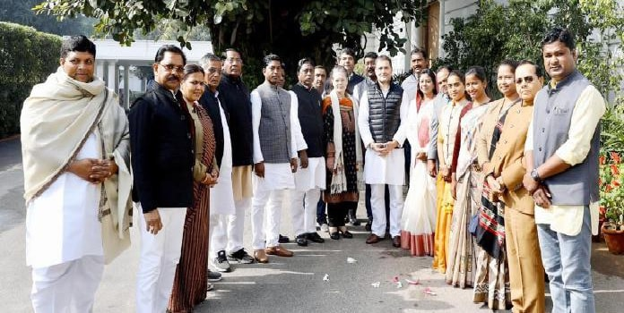 Newly elected Congress MLAs meet Sonia Gandhi and Rahul Gandhi in New Delhi