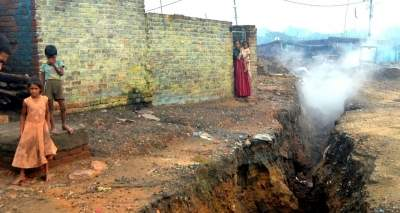 20 yrs on, families continue to live in fear near Jharia's underground fire