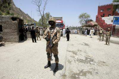 Pak, Afghanistan trade barbs over border clash