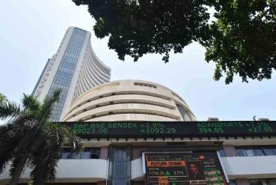 Equity indices plunge, Sensex down 1,100